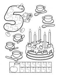 Прописи цифра 5, раскраска торт со свечками и чашки