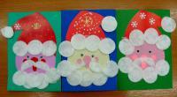 Деды морозы из бумаги и ватных дисков