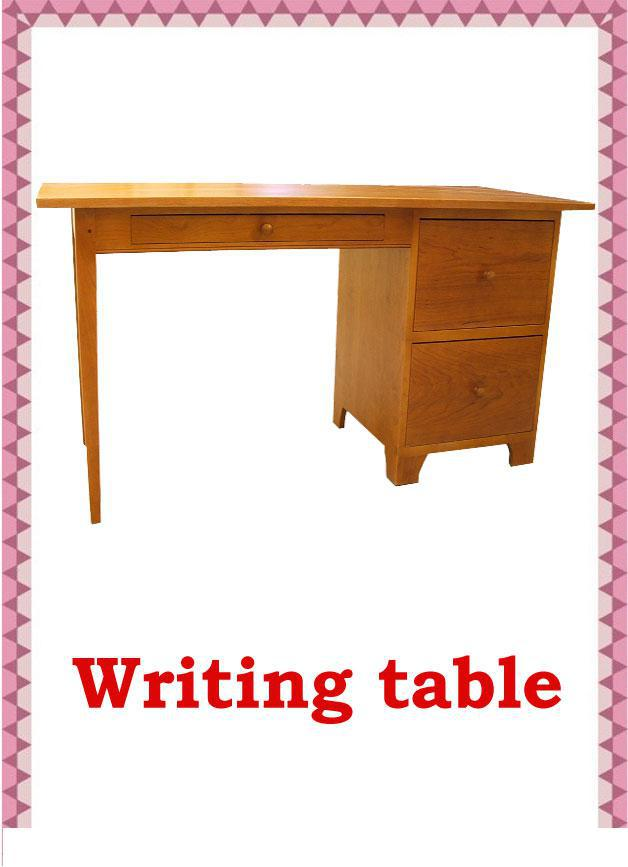 Письменный стол на английском